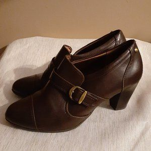 Life Stride Tracey Buckled Ankle Booties Brown 9W